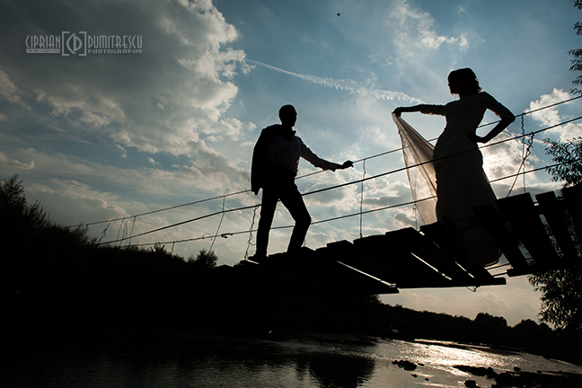 04-Trash-the-dress-Alina-Alex-Comana-fotograf-Ciprian-Dumitrescu