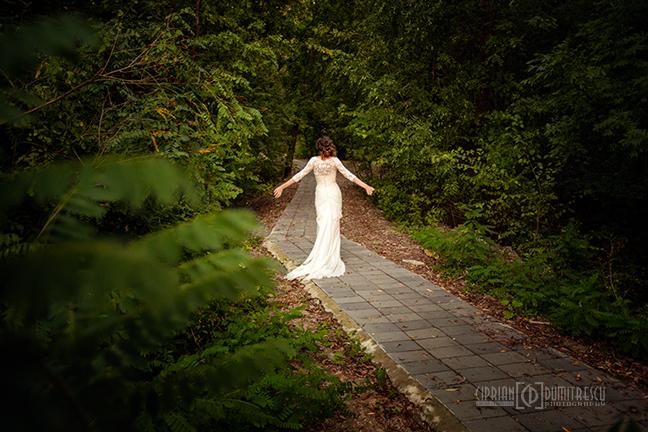 31-Trash-the-dress-Alina-Alex-Comana-fotograf-Ciprian-Dumitrescu