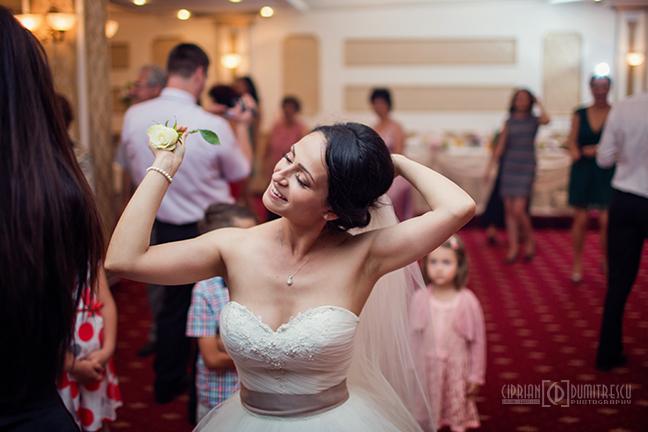 61-Fotografie-nunta-Oana-Stefan-Buzau-fotograf-nunta-Ciprian-Dumitrescu