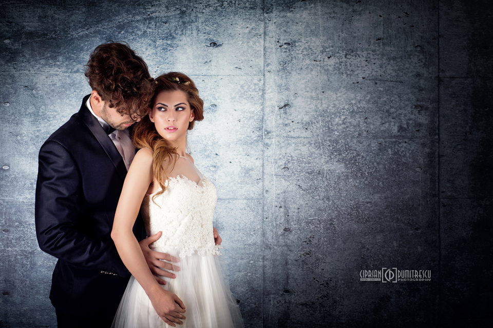 092A7764-Fotografii-studio-rochii-mireasa-ciprian-dumitrescu