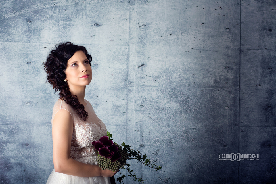 092A7772-Fotografii-studio-rochii-mireasa-ciprian-dumitrescu