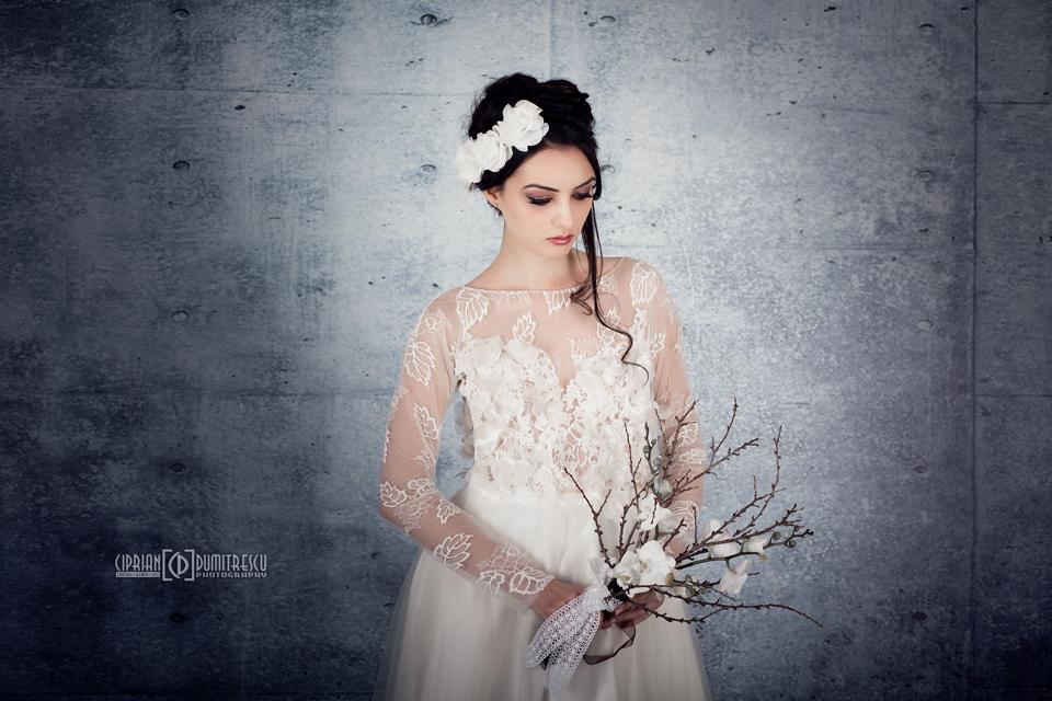 092A7899-Fotografii-studio-rochii-mireasa-ciprian-dumitrescu