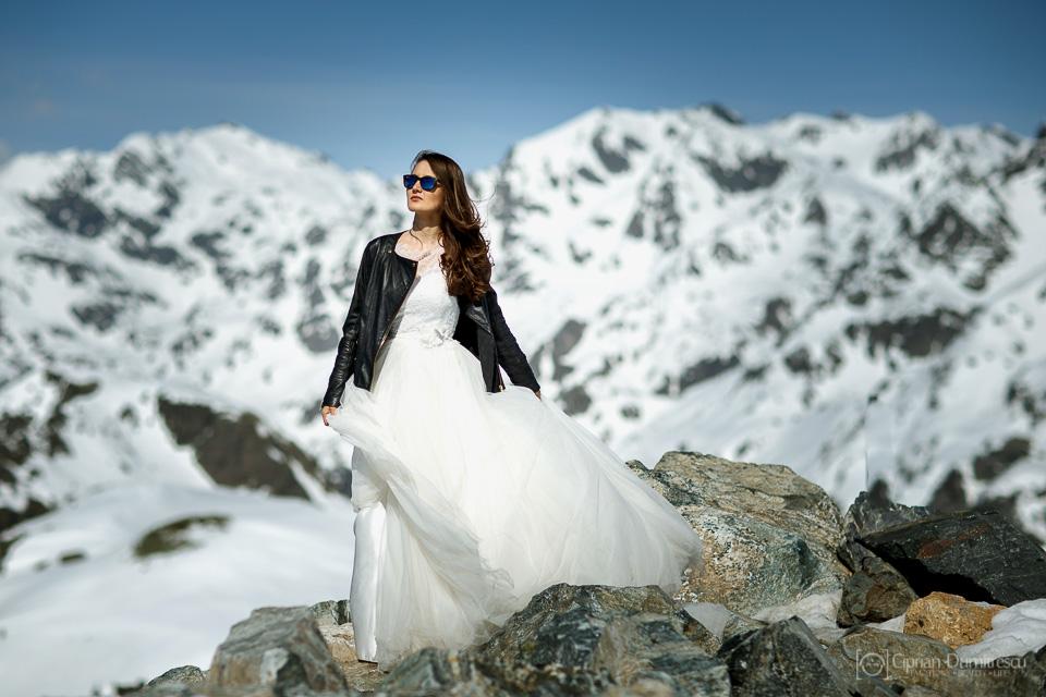 0005-Trash-the-dress-Aida-Mircea-Franta-fotograf-Ciprian-Dumitrescu