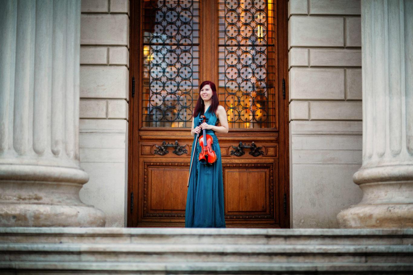 0036-Fotografii-corporate-Emanuela-Matei-fotograf-Ciprian-Dumitrescu-DCF_8235