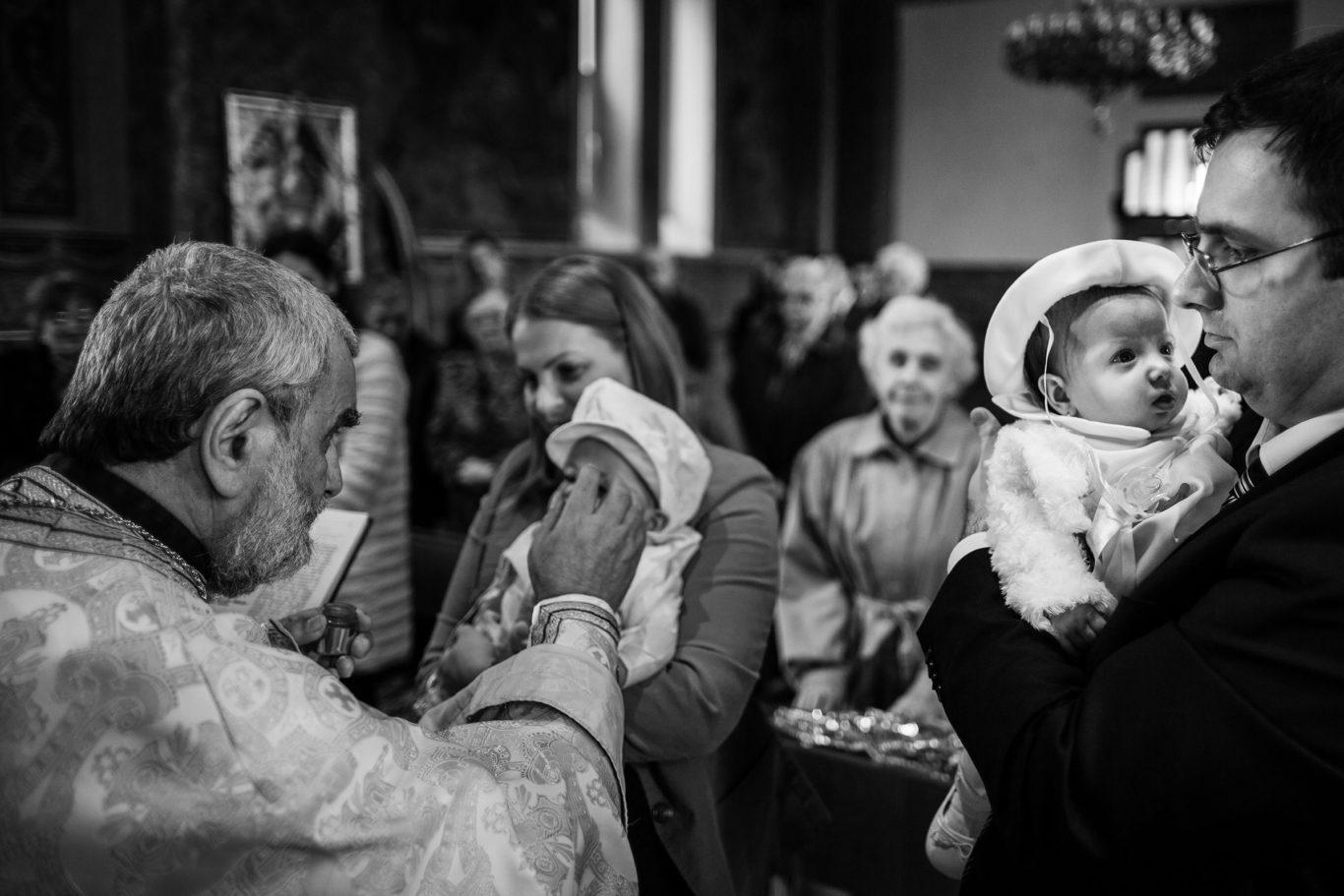 0096-Fotografii-botez-gemeni-Corina-Victor-fotograf-Ciprian-Dumitrescu-DCF_9548