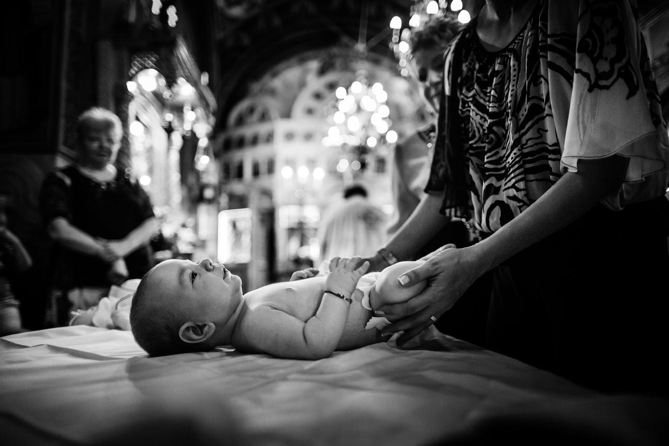 0117-fotografie-botez-palatul-odeon-filip-fotograf-ciprian-dumitrescu-dc1_0306-bw