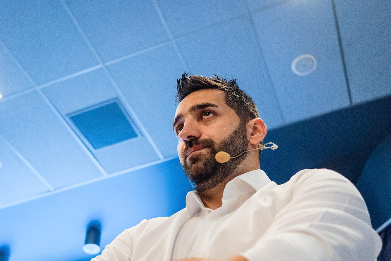 Daniel Dumbrava - concentrare intainte de prezentare