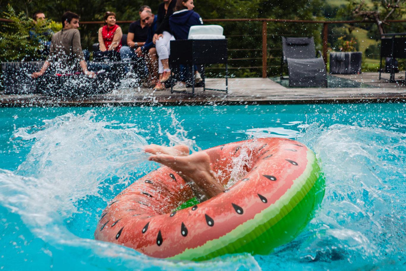Dupa nunta in ALpii Francezi la piscina